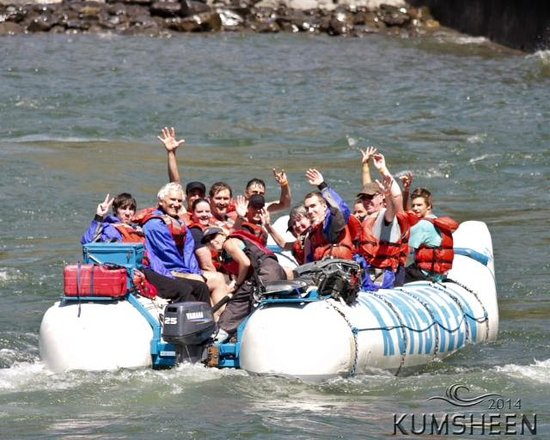 Kumsheen Rafting Resort - Day Trips: A rest along the way