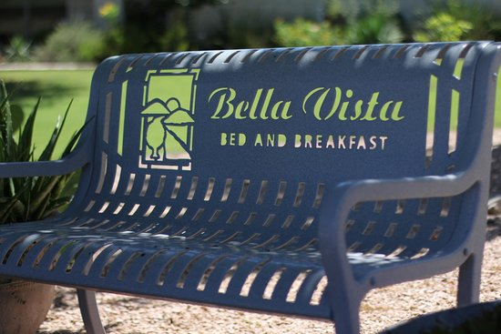 Bella Vista Bed and Breakfast on Lake Travis: Come sit a spell at Bella Vista!