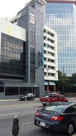 Aloft Nashville West End: Outside of front of hotel from across the street