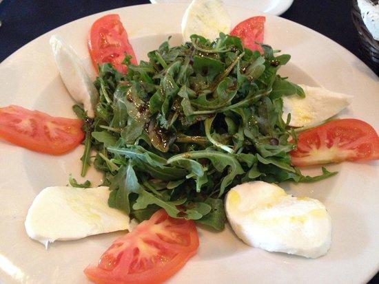 BAYOU TAVERN: Super salad