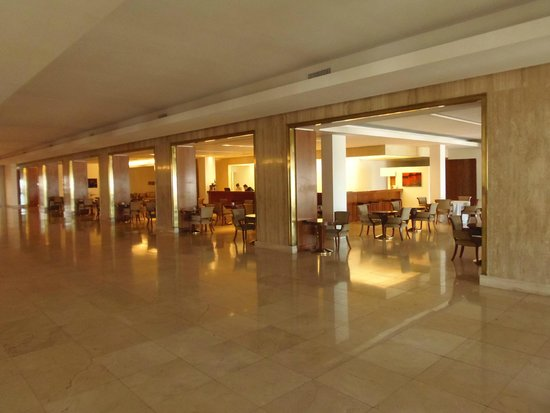 NH Gran Hotel Provincial: Bar