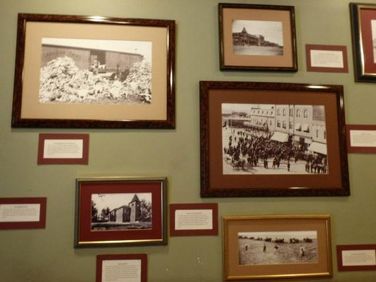Tunnels of Moose Jaw : Moosejaw in the past