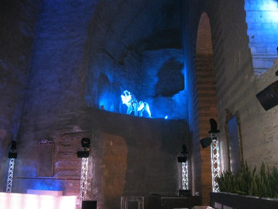 Galleria Borbonica : A nightclub (private?) attached to the tunnels