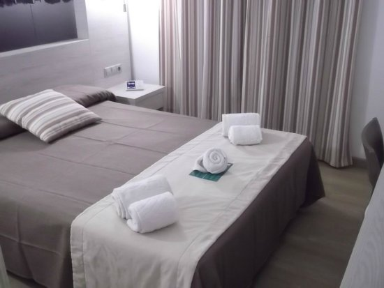 Eix Alcudia Hotel - Adults Only: The double bed