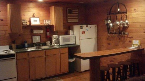 Getaway Cabins: kitchen