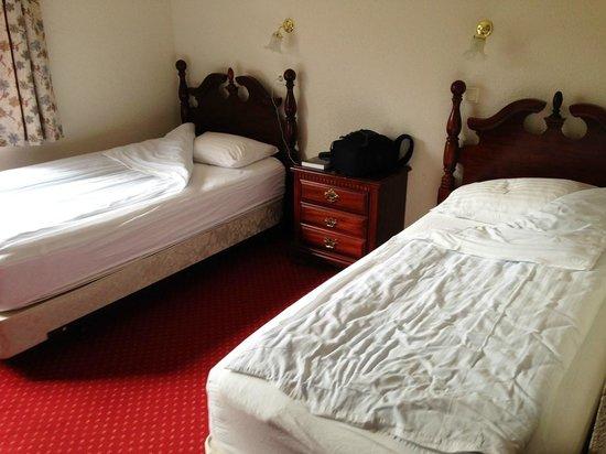 Fosshotel Hekla: Camas separadas y complicadas de unir