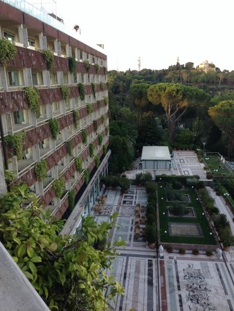 Rome Cavalieri, Waldorf Astoria Hotels & Resorts: View of the hotel