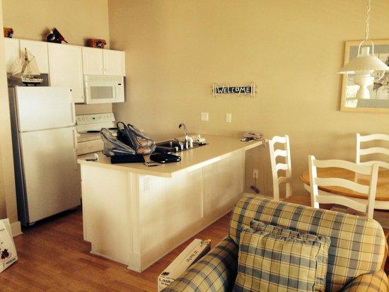 Edgewater Resort: Kitchen
