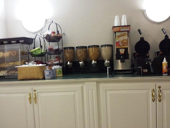La Quinta Inn Columbus Dublin: some of the options for breakfast
