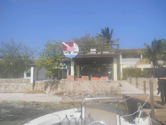 Bruce Bowker's Carib Inn: arriving from a dive