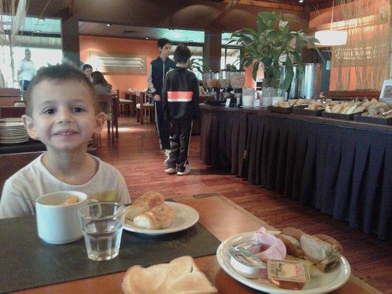 Raices Esturion Hotel: comedor