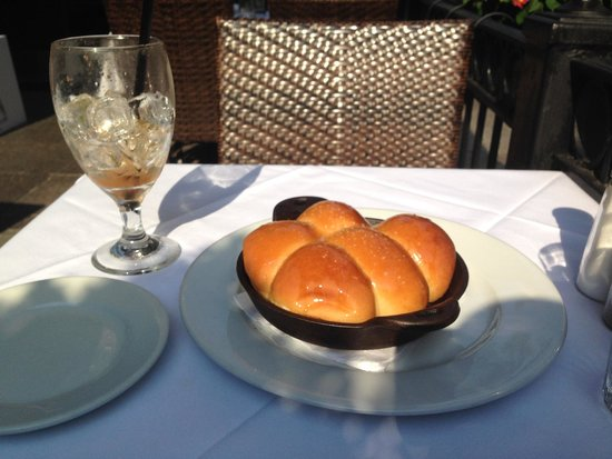 Abe & Louie's: Skillet bread....yum.