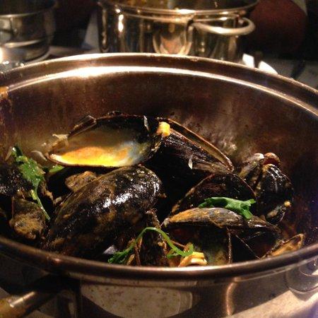 Flex Mussels: Thai Curry Mussels