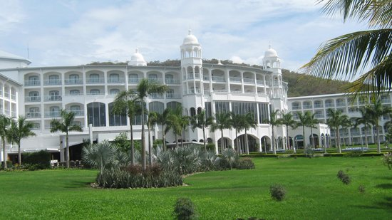 Hotel Riu Palace Costa Rica: Back View of Hotel