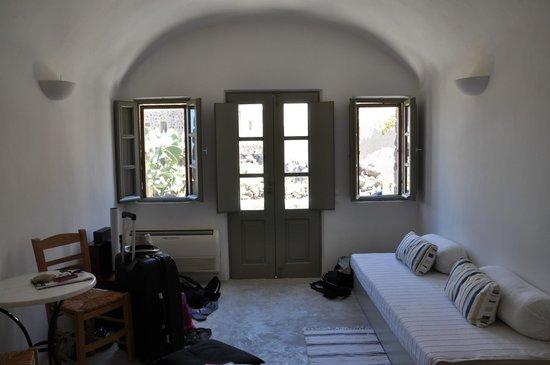Ambelia Traditional Villas: room entrance