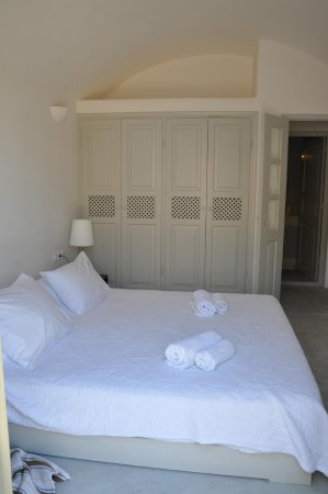 Ambelia Traditional Villas: our room