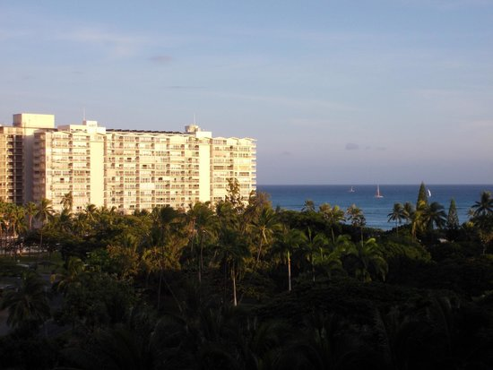 Hale Koa Hotel: View from partial oceanview
