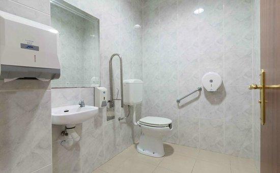Baños Para Minusvalidos Normativa:Baño para minusválidos – Foto ...