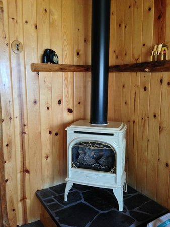 Sea Rock Inn: Cottage 3  - lovely gas fireplace