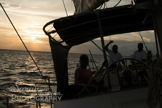 CHICABRAVA Surf Camp: on the sail with Capt. Mario