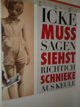 ONE80° Hostels Berlin: Decoração