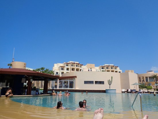 Pueblo Bonito Pacifica Golf & Spa Resort : Pool and swim up bar
