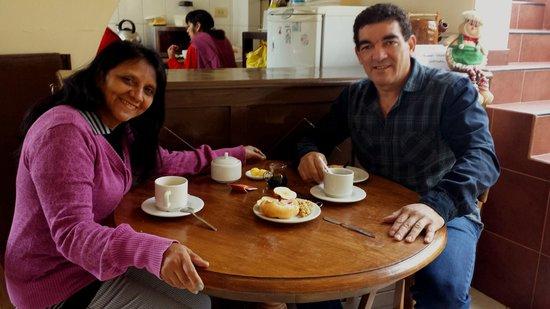 Hostal El Triunfo: Café da manhã.