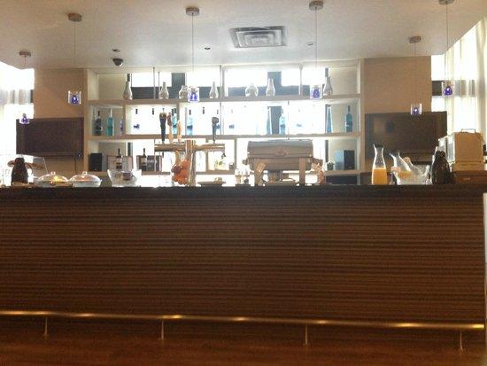 Eurostars Wall Street: Breakfast area / Bar