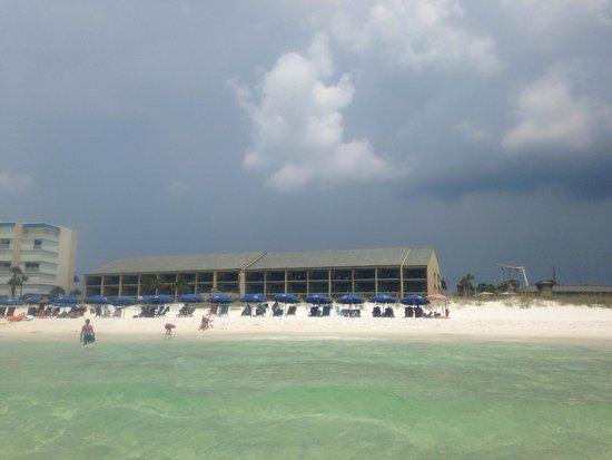 Destin Beach Club : View of the beach club from the back