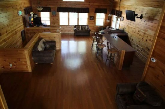 Gatlinburg Falls Resort: Upstairs