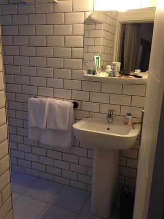 Rumours Inn : The bathroom