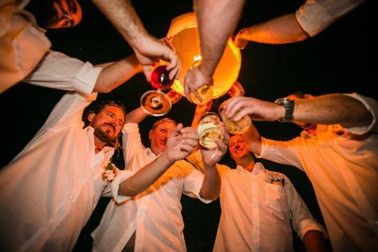 Friendship Beach Resort & Atmanjai Wellness Centre: Fire Lanterns