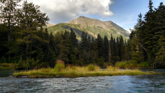 Alaska River Adventures - Day Tours: Enjoying the Mountains and Looking for Goats
