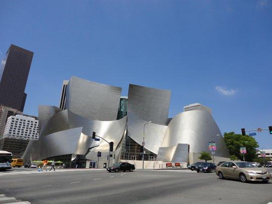 Walt Disney Concert Hall: Front view