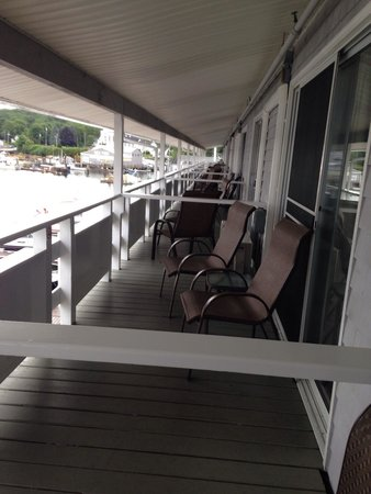 Brown's Wharf Inn: Balcony Browns Wharf Inn