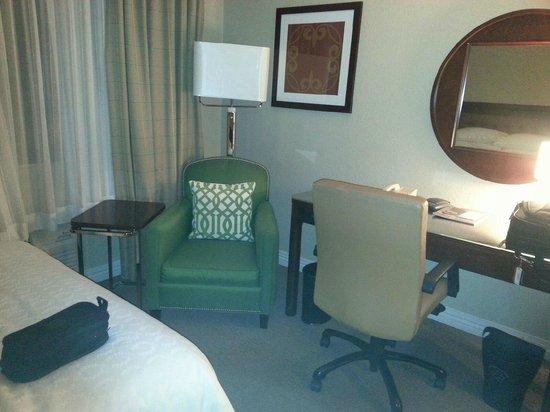 Sheraton Framingham Hotel & Conference Center: Comfortable Sitting area