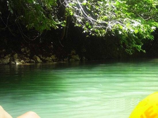 Cave Tubing.Bz: Beautiful water!