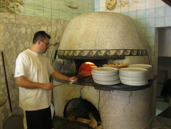 Trianon da Ciro: pizza oven