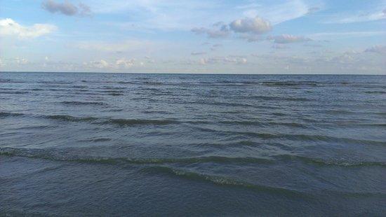 Sundial Beach Resort & Spa: The gulf standing on the beach