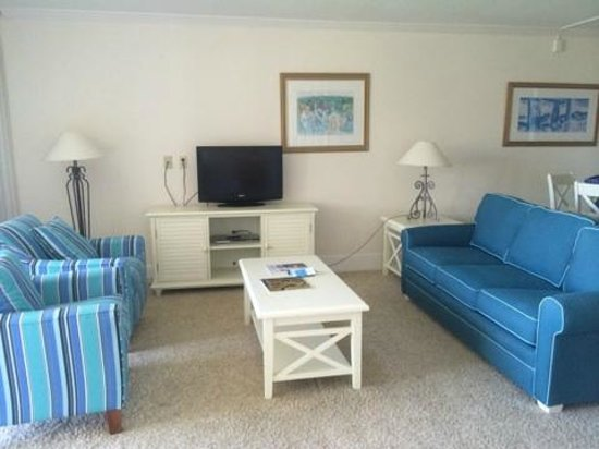 Sundial Beach Resort & Spa: The living area.