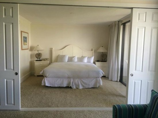 Sundial Beach Resort & Spa: The King sized bedroom