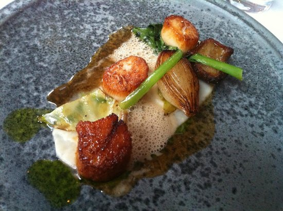 Raymonds Restaurant: Seared Newfoundland scallops. Pork jus. Jerusalem artichoke. Onion purée.