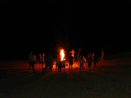 The Warwick Fiji: sunday night bonfire on th ebeach