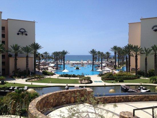 Hyatt Ziva Los Cabos: Pool from lobby