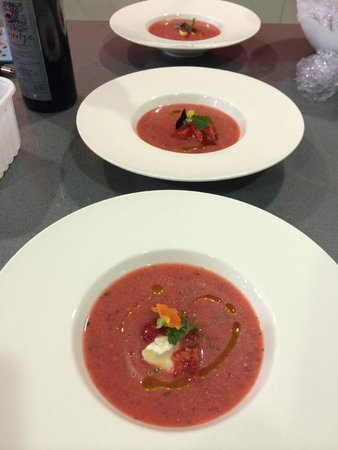 Barcelona Cooking Classes: Strawberry & Mint Gazpacho