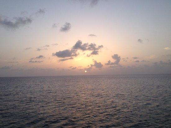 Grand Cayman Marriott Beach Resort : Sunset - Seven Mile Beach