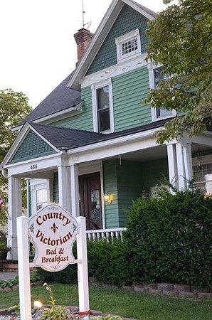 Country Victorian Bed and Breakfast: Country Victorian B&B