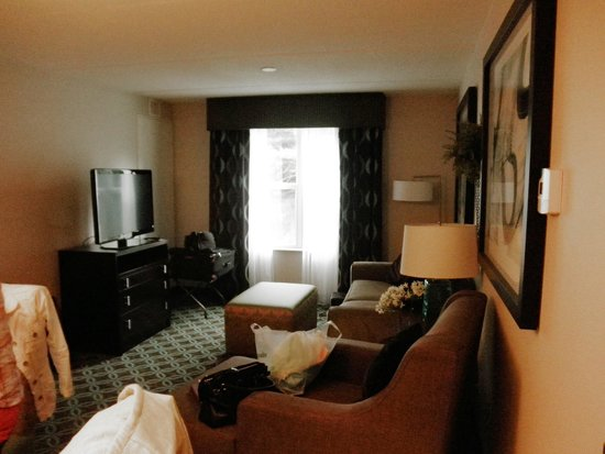 Homewood Suites by Hilton Boston/Canton, MA: Living Room