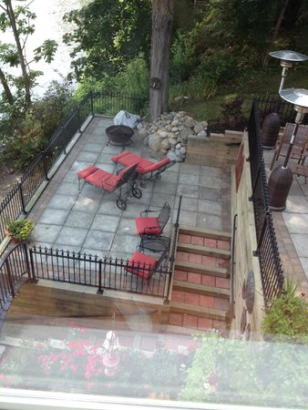 Steamboat Castle Bed & Breakfast : 2nd level patio w/lounge chairs