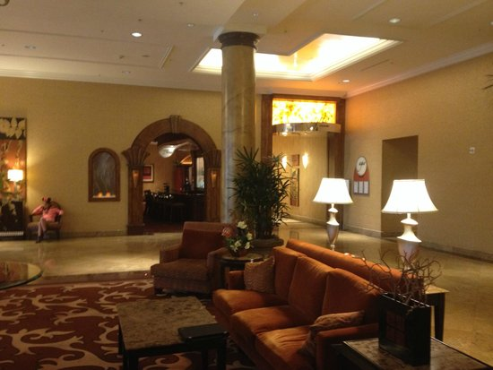 Doubletree Suites by Hilton Hotel Anaheim Resort - Convention  Center: Lobby